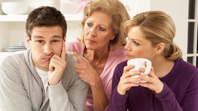 Anyu pici fiának gerincbetegsége - szomatizáció v. párkapcsolati válság? 2
